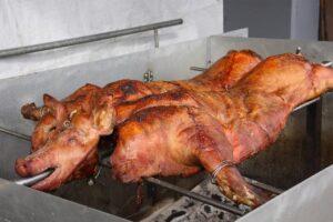 Fiesta del Cerdo a la Brasa en Vedra